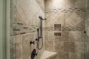 Choisir du carrelage pour une cabine de douche